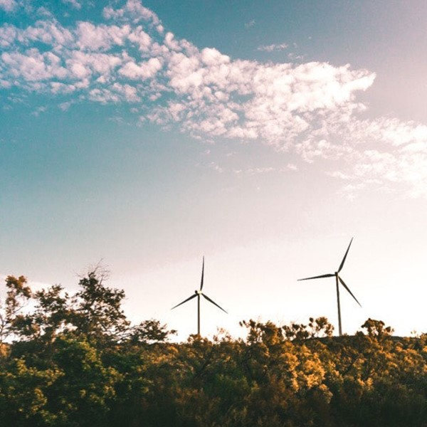 Sust_webb_windmill_sky_1080x1350.jpg